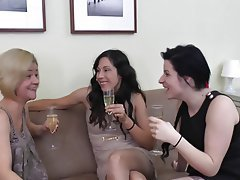 Cunnilingus, Lesbian, Old and Young, Threesome